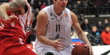 Kristjan Kangur (palliga) 2012/13 hooajal Siena Montepaschi särgis. Foto: Euroliiga